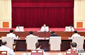 王東峰:讓黨旗在河北省改革發展穩定各條戰線上高高飄揚